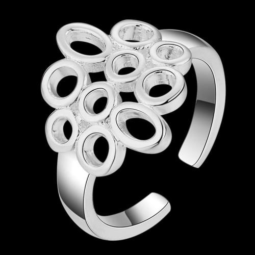 Regulowany srebrny pierścionek - ciekawe wzornictwo