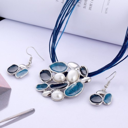 Zestaw biżuterii naszyjnik + kolczyki JS041