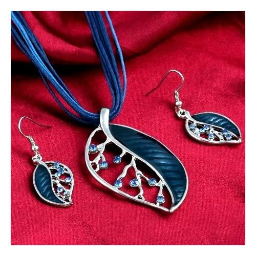 Koplet biżuterii naszyjnik + kolczyki