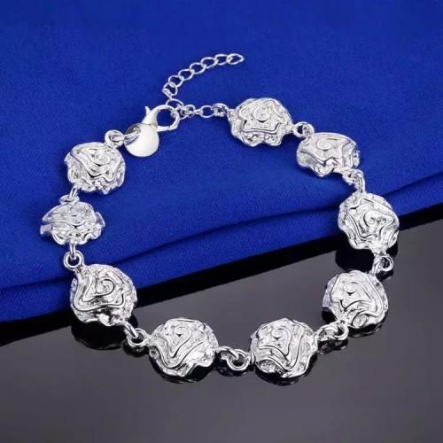 Bogato zdobiona srebrna bransoletka