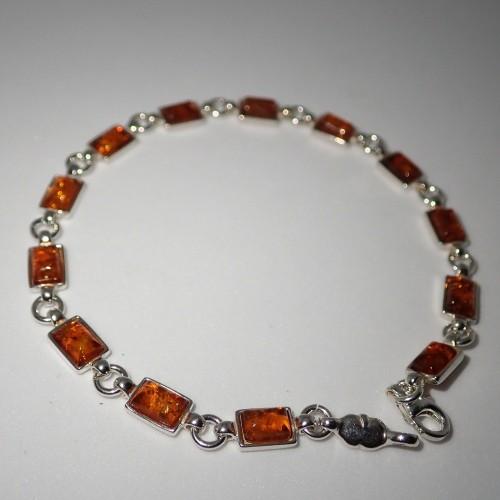 Srebrna bransoletka z bursztynem BC164