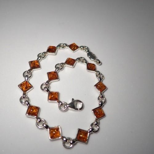 Srebrna bransoletka z bursztynem BC166