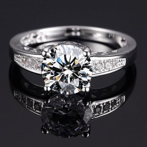 Posrebrzany pierścionek z pięknym kryształem P088