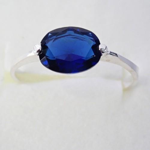 Srebrny pierścionek z cyrkonią KP001