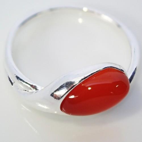 Srebrny pierścionek. Kamień: Gagat. Próba 925. LXP010