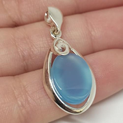 Srebrny naszyjnik z niebieskim agatem. Próba 925. LXNE014AS.