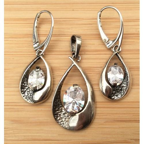 Komplet srebrnej biżuterii. Próba 925. Kamień - biała cyrkonia. KJS026C