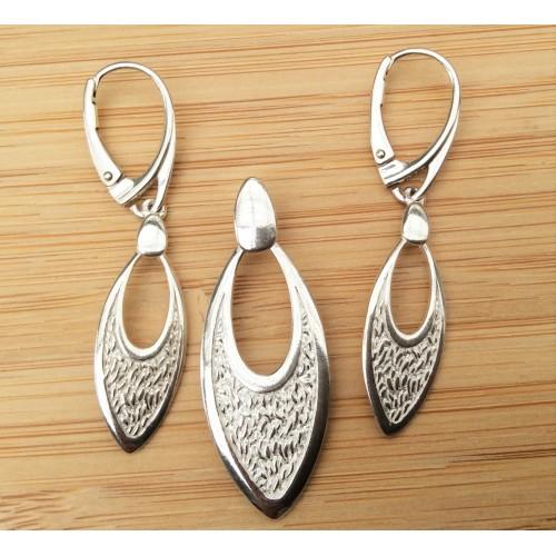 Komplet srebrnej biżuterii. Próba 925. Kamień - biała cyrkonia. KJS028
