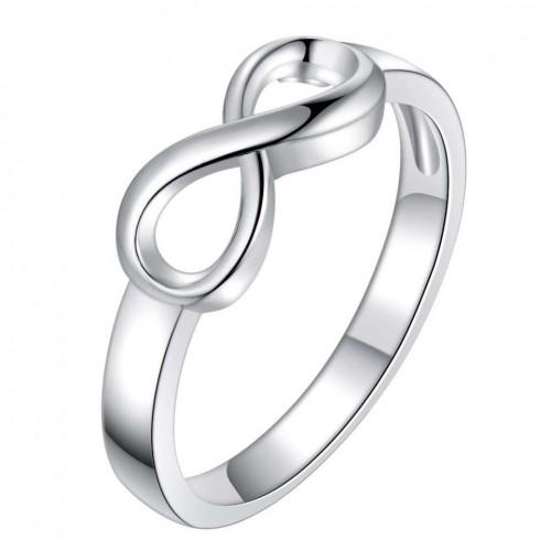 Platerowany srebrem pierścionek z ciekawym motywem
