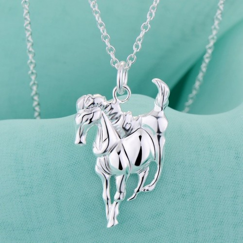 Srebrny naszyjnik z motywem konia